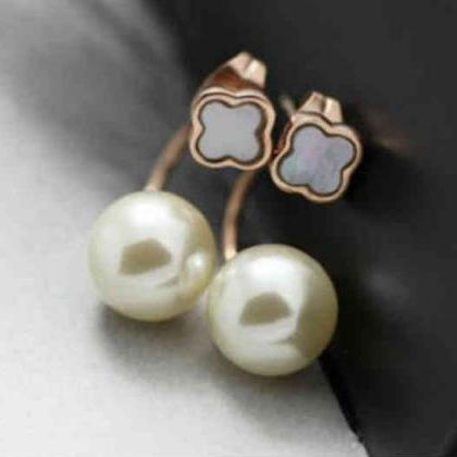 Clover Flower with Pearl Ear Jacket..